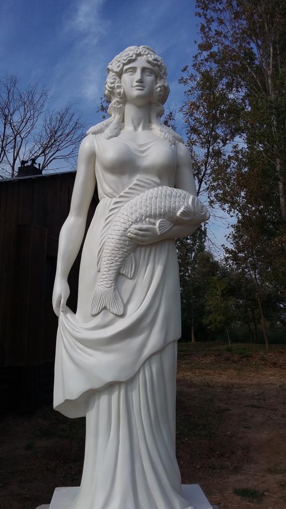 Статуя Нерестины