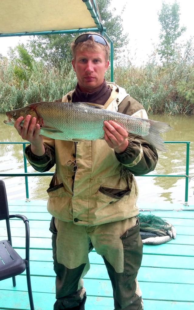 Питерские рыболовы на базе Нерестина